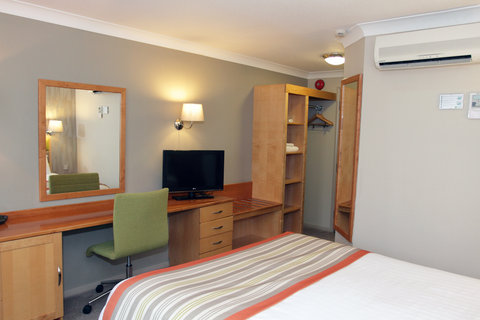 Holiday Inn A55 CHESTER WEST - Enjoy Freeview and Sky Sports TV