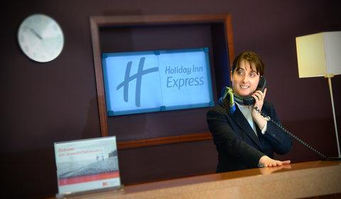 Holiday Inn Express DUBLIN AIRPORT - Reception Desk