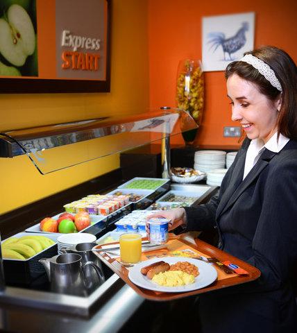 Holiday Inn Express DUBLIN AIRPORT - Breakfast