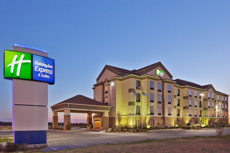 HOLIDAY INN EXP STES SHAWNEE