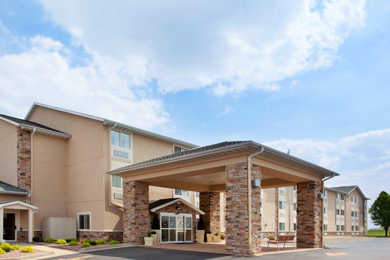 Holiday Inn Express TUSCOLA - Sadorus, IL