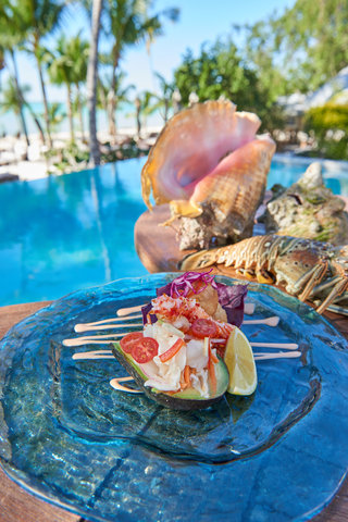 Tiamo Resort - Local Fresh Conch   Crabe Salade