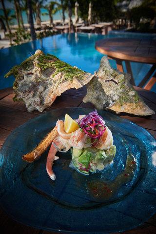 Tiamo Resort - Fresh local Fish   crabe Salade