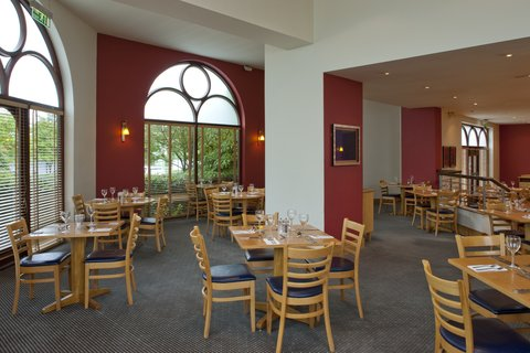 Holiday Inn GLOUCESTER - CHELTENHAM - Spacious air conditioned restaurant