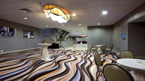 Holiday Inn Chicago Mart Plaza Hotel - 14th Floor Foyer