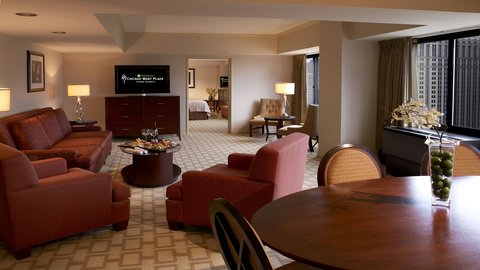 Holiday Inn Chicago Mart Plaza Hotel - 1 Bedroom Suite with King Bed Guest Room