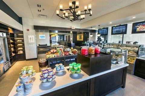 Holiday Inn Chicago Mart Plaza Hotel - Quick Bites  Refreshing Drinks    Sweet Treats at Merchants Market