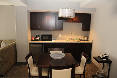 Holiday Inn Hotel & Suites EAST PEORIA - Deluxe Room