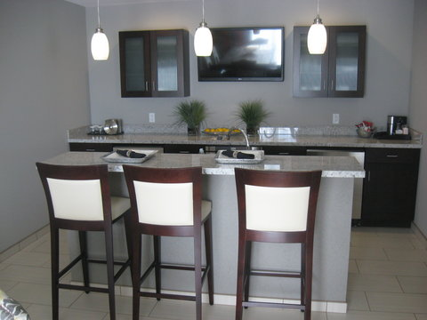 Holiday Inn Hotel & Suites EAST PEORIA - Executive Suite