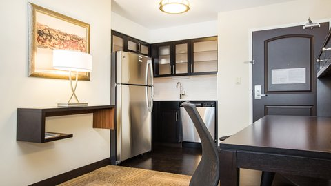 Staybridge Suites WEST EDMONTON - Guest Room