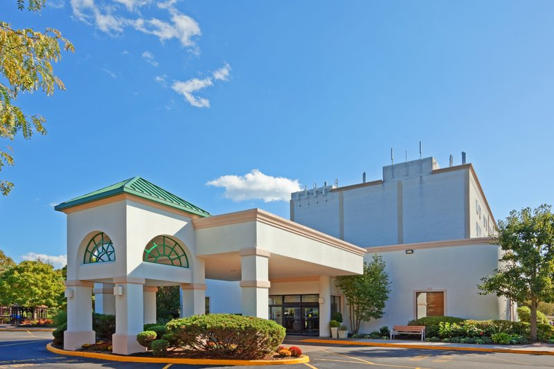 Holiday Inn Express STONY BROOK-LONG ISLAND - Centereach, NY
