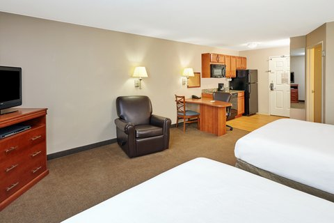 Candlewood Suites AURORA-NAPERVILLE - Two Double Bed Studio Suite