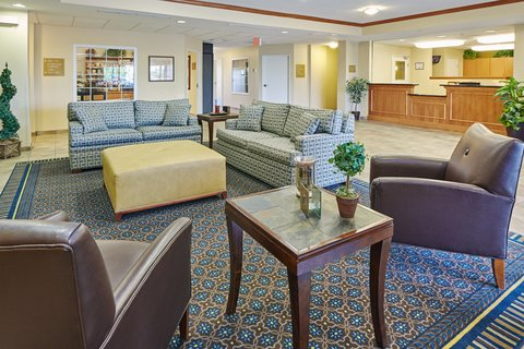 Candlewood Suites AURORA-NAPERVILLE - Hotel Lobby