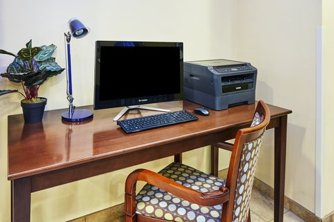 Candlewood Suites AURORA-NAPERVILLE - Business Center