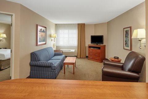 Candlewood Suites AURORA-NAPERVILLE - One Bedroom Suite living area
