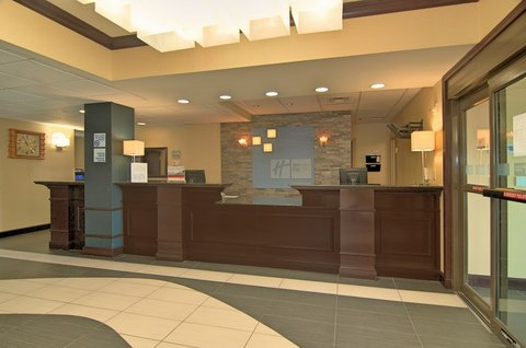 Holiday Inn Express & Suites Austin SW - Sunset Valley - Hotel Lobby