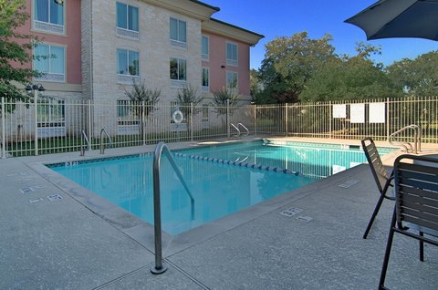 Holiday Inn Express & Suites Austin SW - Sunset Valley - Swimming Pool