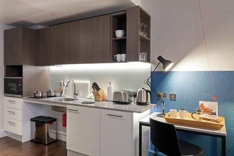 Staybridge Suites LONDON - VAUXHALL - Wheelchair Accessible Studio Suite Fully Equipped Kitchen