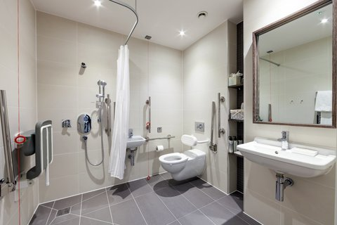 Staybridge Suites LONDON - VAUXHALL - Accessible studio suite wetroom
