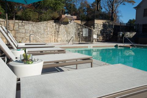 Courtyard Atlanta Vinings - Swimming Pool