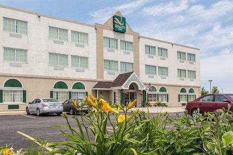 Quality Inn North - Exterior