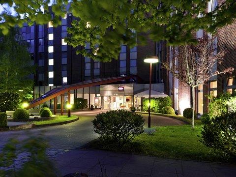 Mercure Hotel Hamburg am Volkspark (ex Novotel Hamburg Arena) - Exterior