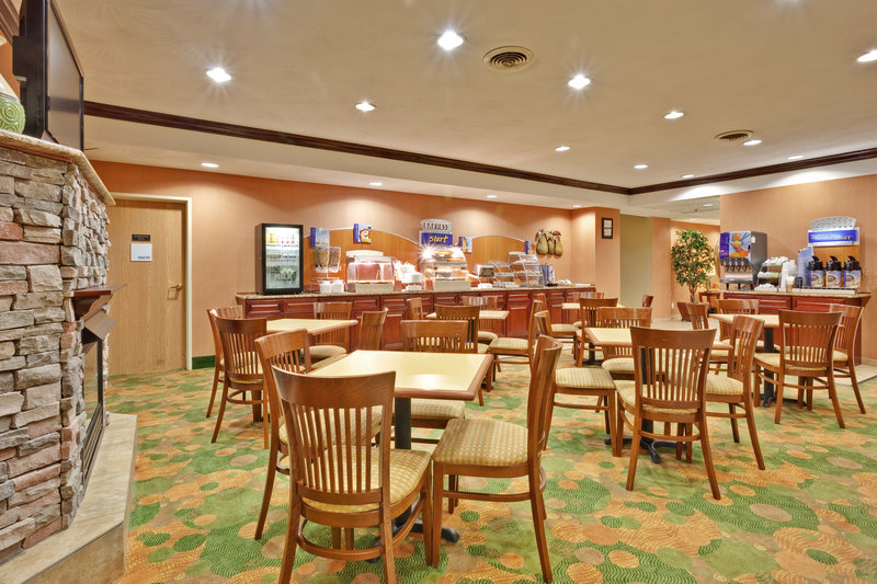 Holiday Inn Express WINFIELD - TEAYS VALLEY - Red House, WV