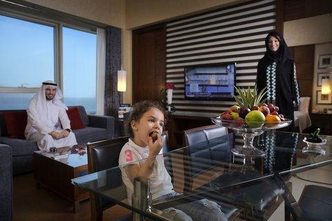 Al Manshar Rotana Hotel - Deluxe Living Room