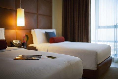 Al Manshar Rotana Hotel - Premium Room Twin Bedroom