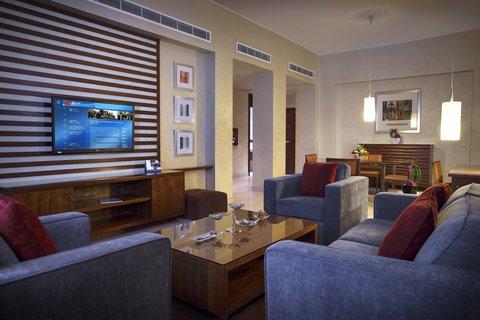 Al Manshar Rotana Hotel - Premium Living Room