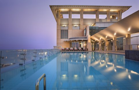 Al Manshar Rotana Hotel - Roof Top Swimming Pool