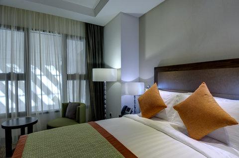 فندق كراون بلازا المدينة - Queen Bed with Atrium View