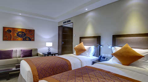 فندق كراون بلازا المدينة - Club Floor Twin Bed Room