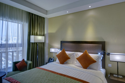 فندق كراون بلازا المدينة - King Bed with City View