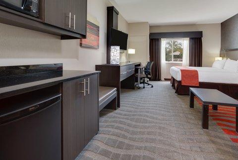 Fairfield Inn And Suites By Marriott Naples Hotel - King Bedroom Studio on the First Floor