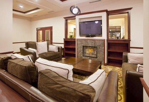 Holiday Inn Express & Suites GUTHRIE NORTH EDMOND - Hotel Lobby