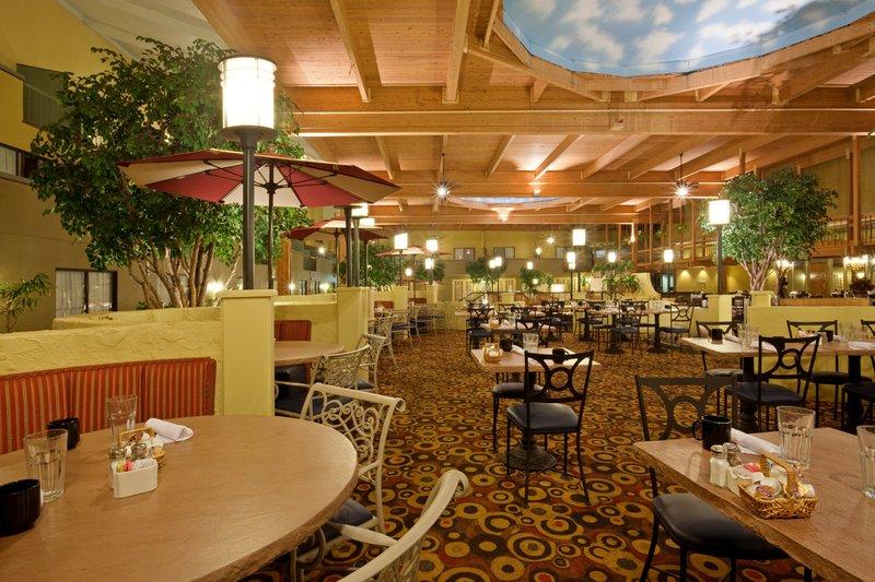 Restaurants Near Holiday Inn Mansfield Ma