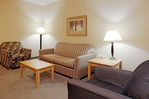 Holiday Inn Express Hotel & Suites Amarillo - Presidential Suite Sitting Area