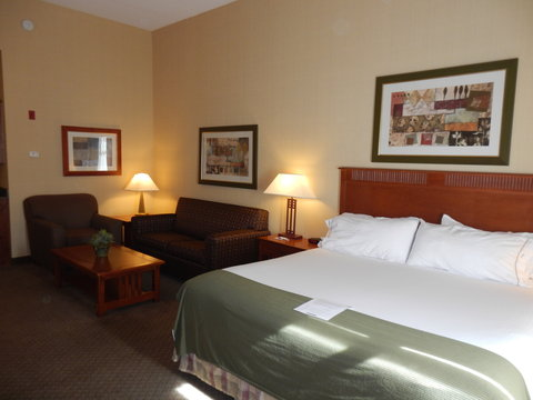 Holiday Inn Express & Suites ST. GEORGE NORTH - ZION - King Bed Executive Guest Room