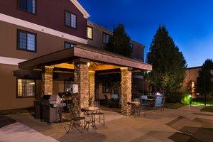 Exterior view - Staybridge Suites O'Fallon