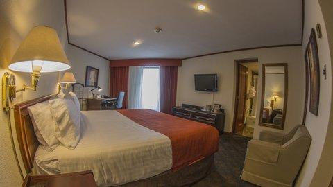 Holiday Inn GUATEMALA - King Size Bedroom