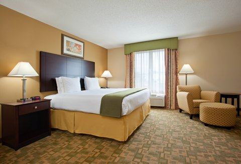 Holiday Inn Express & Suites DAYTON SOUTH FRANKLIN - King Suite at the Holiday Inn Express Franklin Ohio