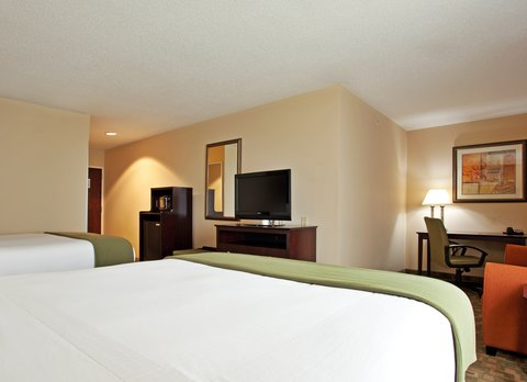 Holiday Inn Express & Suites DAYTON SOUTH FRANKLIN - Two Queen Corner Suite at Holiday Inn Express Franklin Ohio