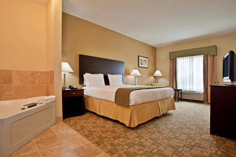 Holiday Inn Express & Suites DAYTON SOUTH FRANKLIN - King Spa Suite at Holiday Inn Express Franklin Ohio
