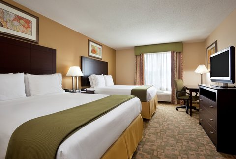 Holiday Inn Express & Suites DAYTON SOUTH FRANKLIN - Two Queen Bed Guest Room at  Holiday Inn Express Franklin Ohio