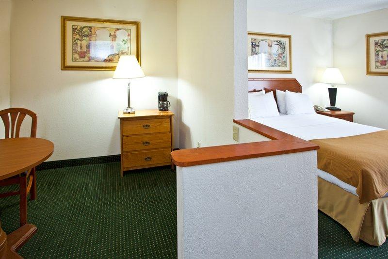 Holiday Inn Express VERO BEACH-WEST (I-95) - Vero Beach, FL