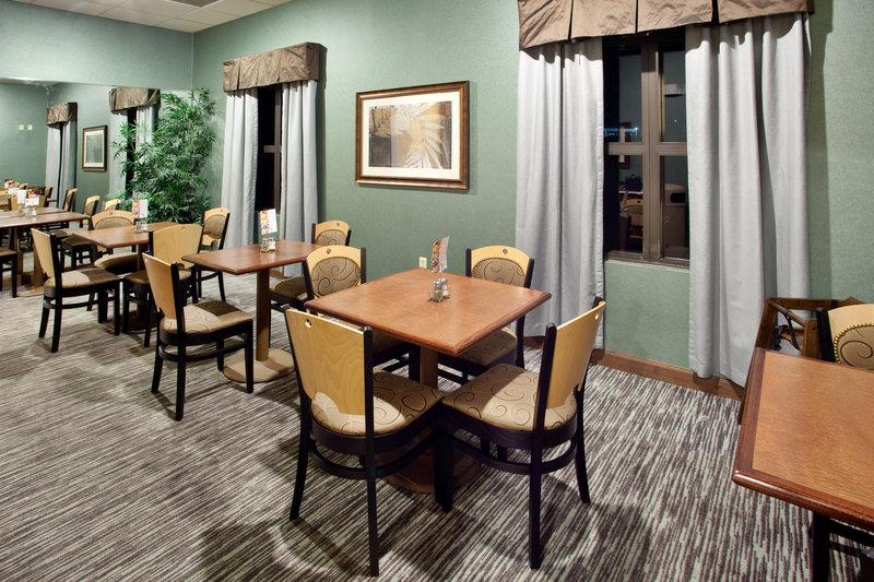 Holiday Inn Express & Suites WAYNESBORO-ROUTE 340 - Waynesboro, VA