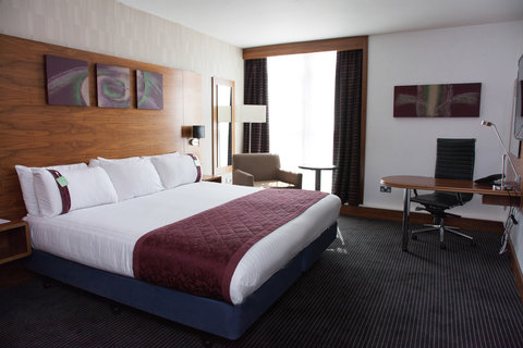 Holiday Inn BIRMINGHAM CITY CENTRE - Executive Room overlooking the views of Birmingham