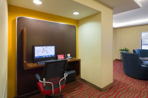 TownePlace Suites Harrisburg Hershey - Business Center