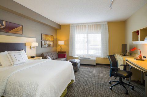 TownePlace Suites Harrisburg Hershey - Larger Suite